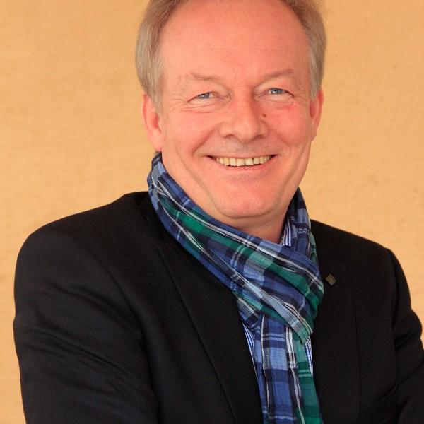 Dr. Wolfgang Neuhuber