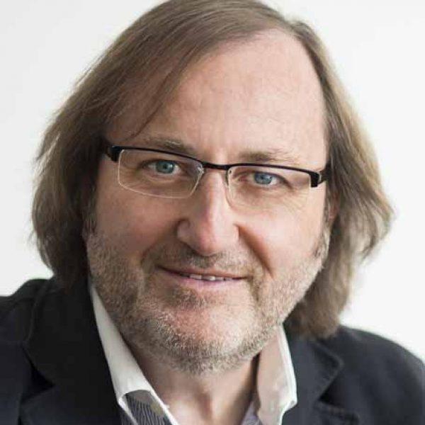 Dr. Manfred Schuchmann