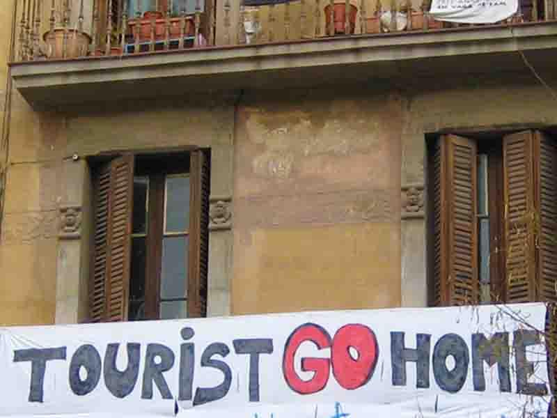 tourists-go-home-03 schnitt