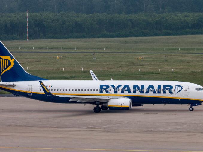 Boeing 737 der Ryanair auf dem Flughafen Köln, Foto: Ingo Busch