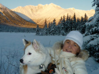 Brigitte von Imhof mit dem Nachbarhund