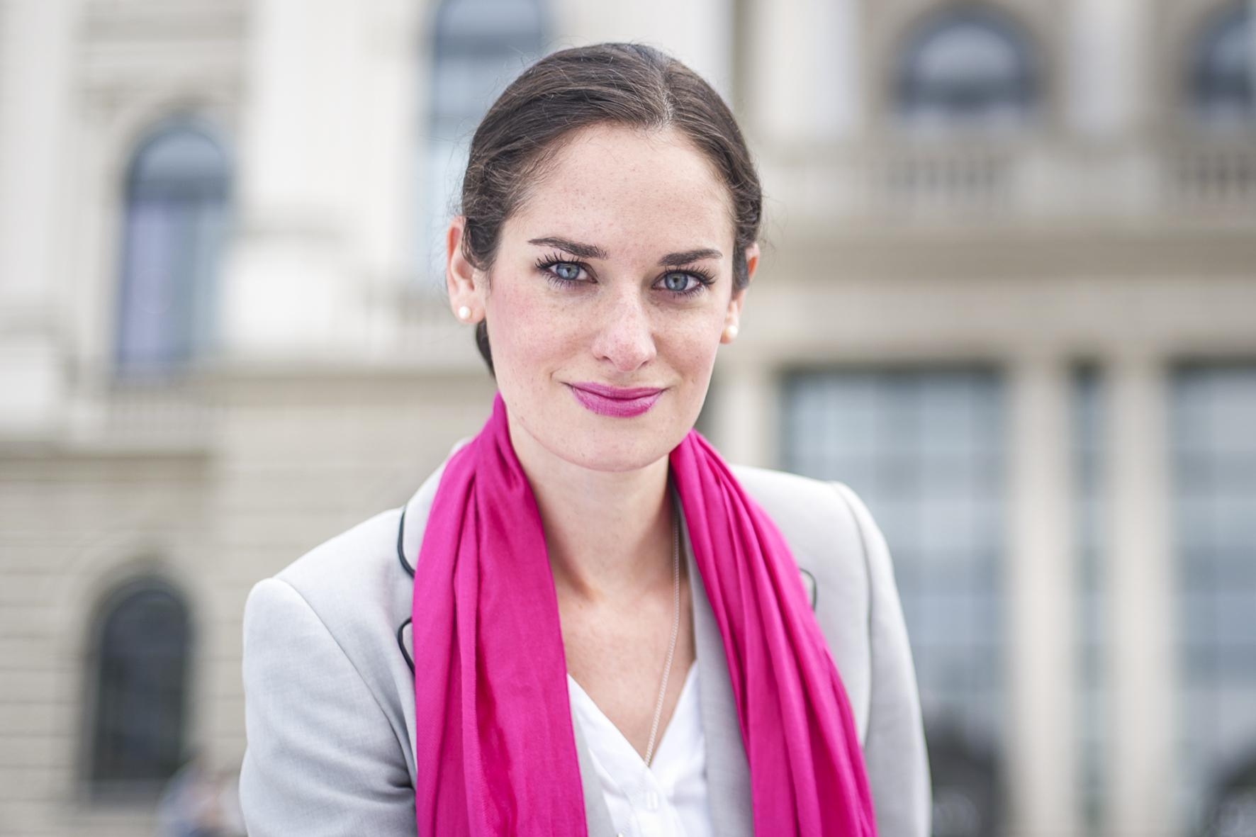 Nina Aryapour