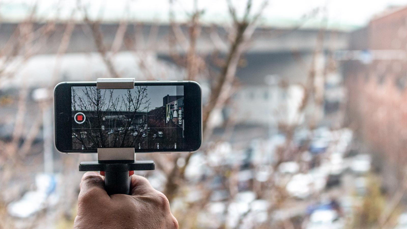 Filmen mit dem Smartphone; Foto: Ingo Busch