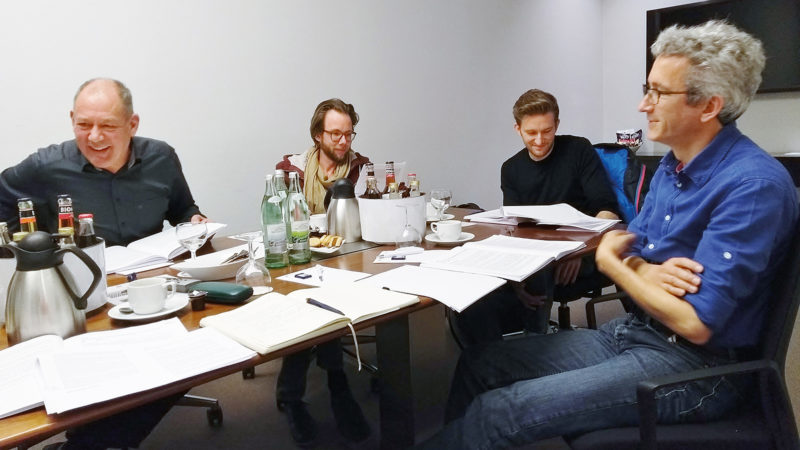 Die Jury (im Bild nur der männliche Part) hatte zu tun beim Printpreis