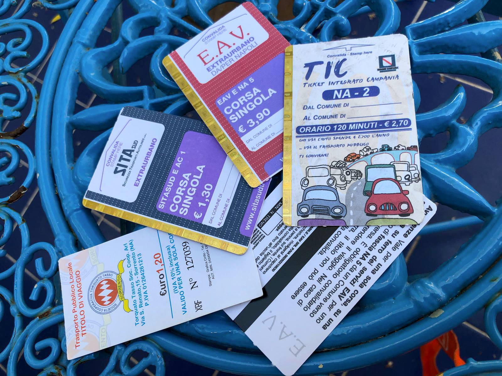 Fahrkartenpalette:  bunte Verwirrung (Foto: Uwe Krist)