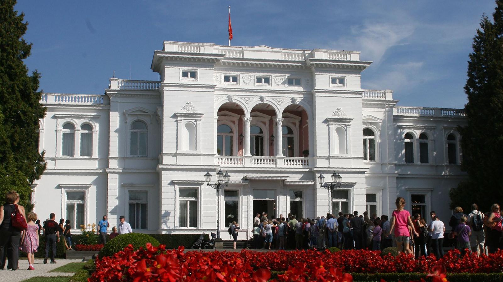 Bis heute ist die Villa Hammerschmidt in Bonn Amts- und Wohnsitz des Bundespräsidenten – als Nr. 2 nach Schloss Bellevue in Berlin; Foto: Thorsten Keller