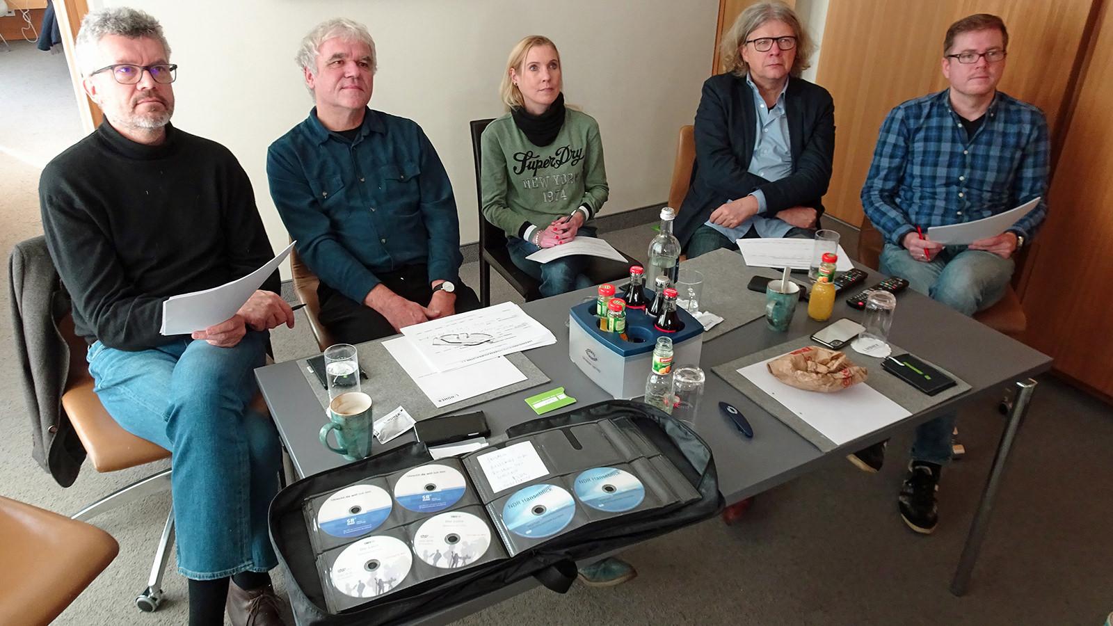 Die Filmpreis-Jury bei der Arbeit; Foto: Till Bartels