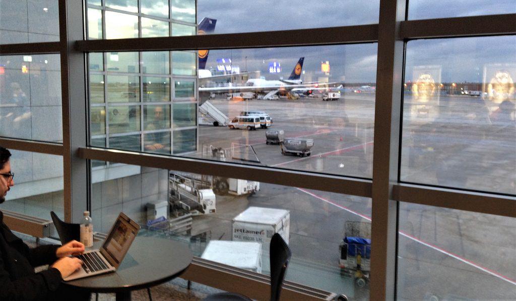 Warten auf den nächsten Flieger? Foto: Rüdiger Edelmann