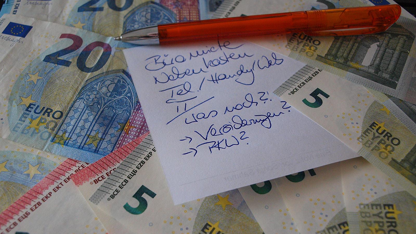 """Durch laufende Betriebskosten und fällige Sonderzahlungen bleibt für den Lebensunterhalt, das """"täglich Brot"""", schnell mal nicht mehr viel übrig – doch es gibt Lösungen. (Foto: Sonja Sahmer)"""