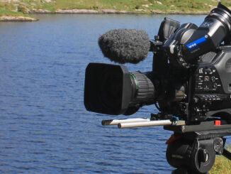 Für hochwertige Fernsehreportagen ist Profi-Equipment nach wie vor unverzichtbar. (Foto: Richard Hofer)