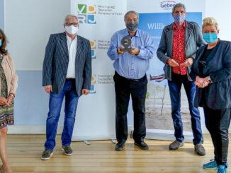 Übergabe des Columbus-Ehrenpreis 2020 (v.l.n.r. Dagmar Gehm, Rüdiger Edelmann, Ury Steinweg, Jürgen Drensek, Marina Noble)