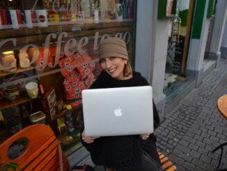 Journalistin und Buchautorin Cornelia Lohs