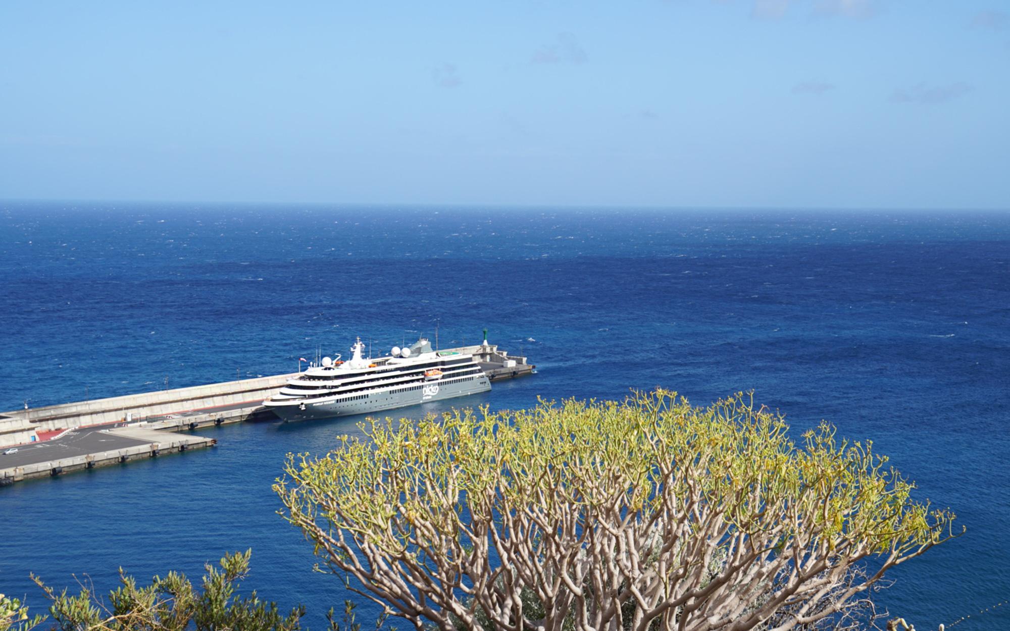 Nicko Cruises World Voyager c Franz Neumeier